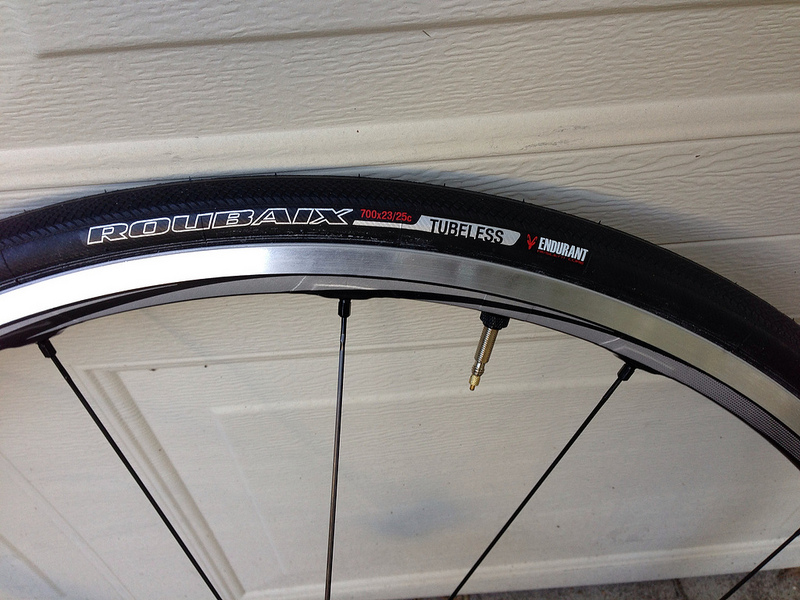Review Specialized Roubaix Road Tubeless Bicycle Tires